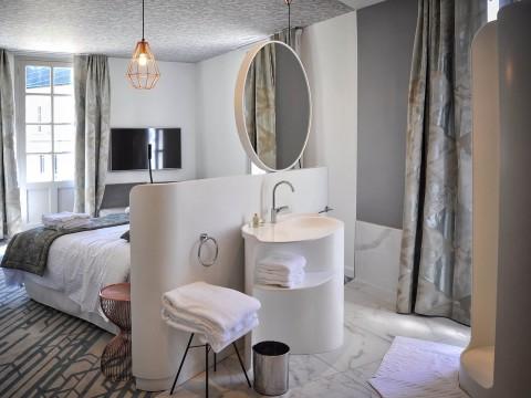 krion-porcelanosa-hotel-saint-gelais