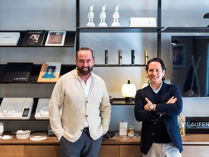 Pepe Leal y Gorka Arana en el nuevo showroom de Laufen en Madrid.