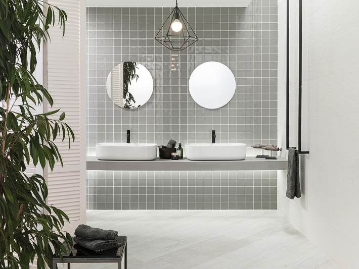 Stone Grey + Round brassware: welcome to black & white