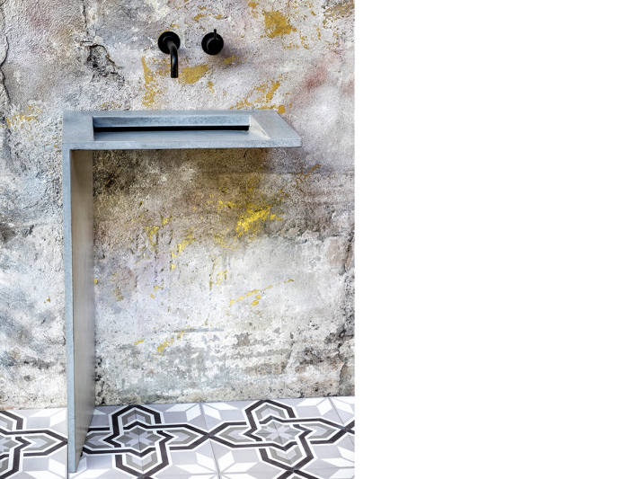 Winner project: concrete washbasin in the L-shaped FLY edition by Traumraum