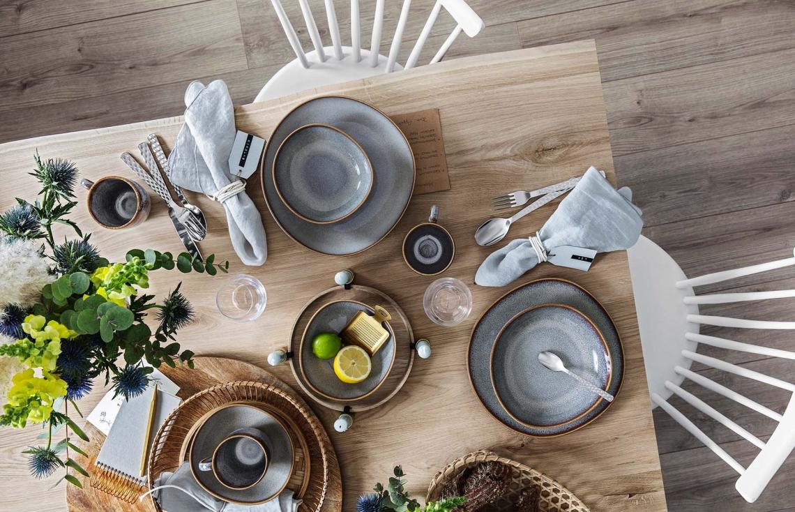 El gris en la mesa con Villeroy & Boch.