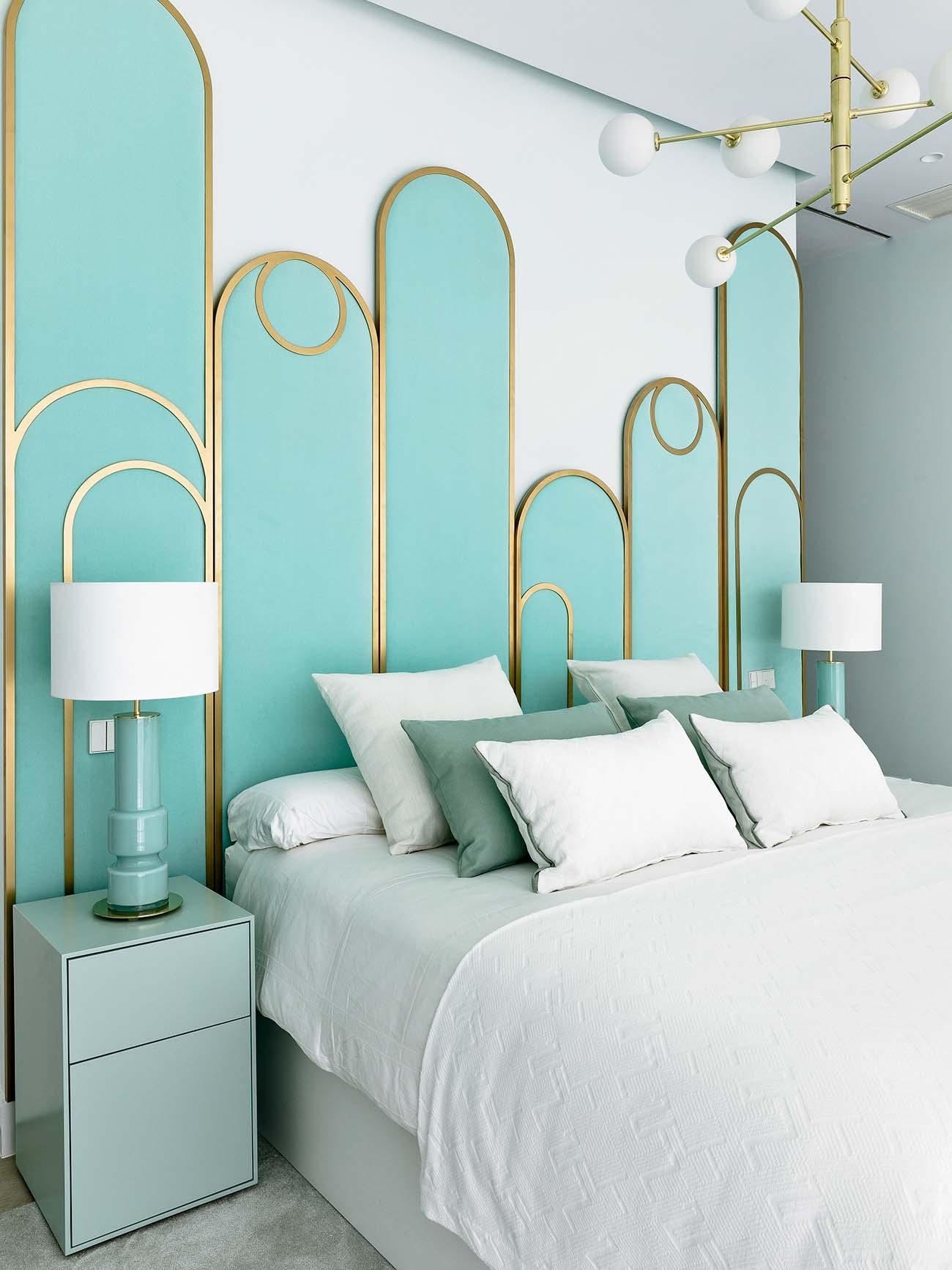 En el dormitorio de la actriz, el menta y los tonos aqua son los protagonistas.