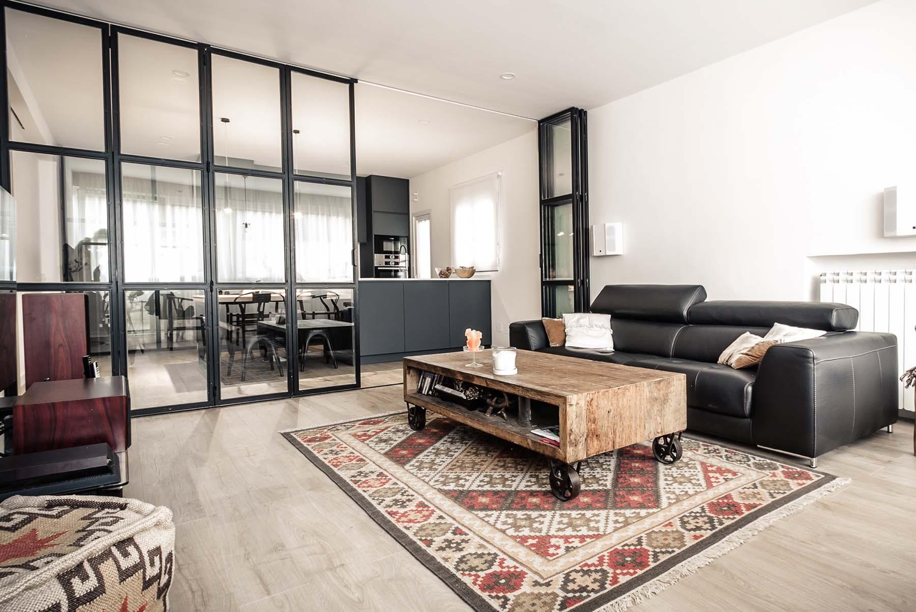Reforma de un apartamento en Madrid por Íker López Consuegra Arquitectura®.