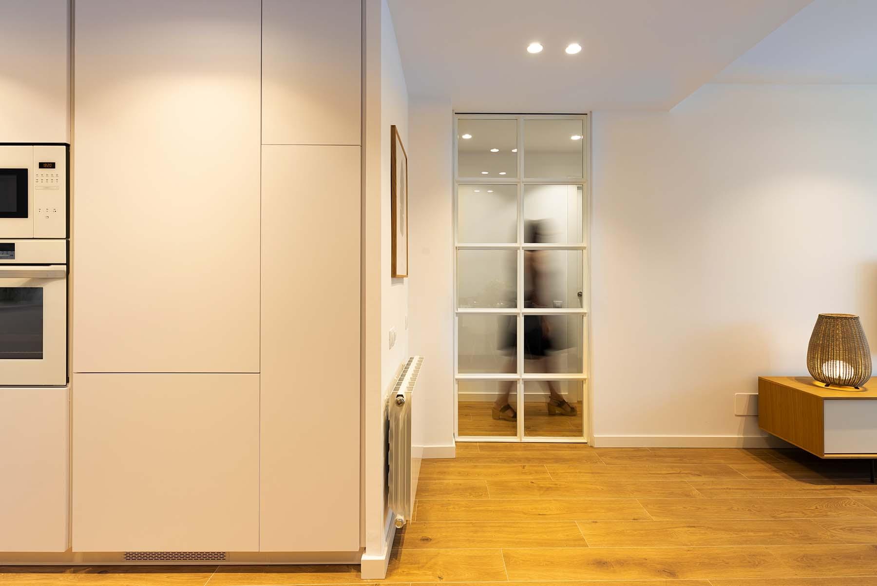 Una cocina abierta al salón.