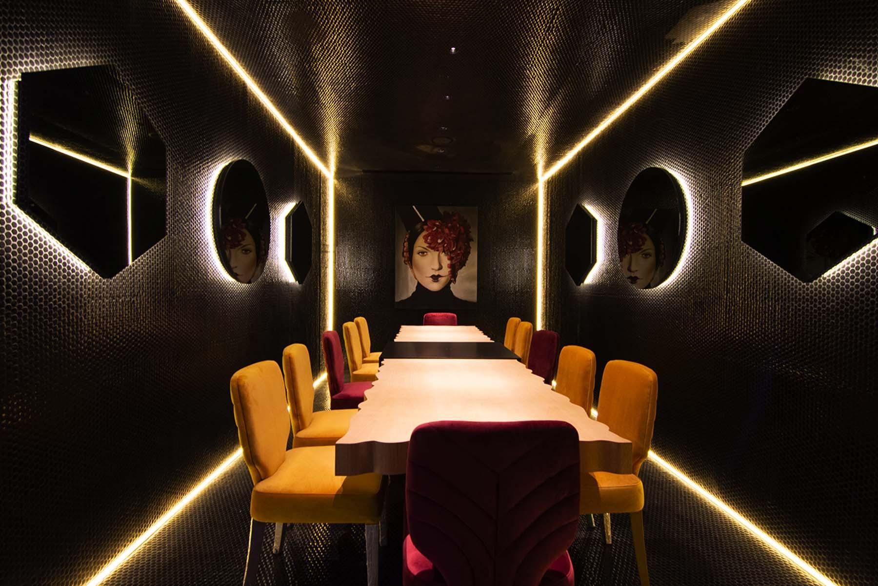 Comedor privado Kai La Caleta por In Out Studio. Revestimiento de Hisbalit. Foto Silvia Roldán.